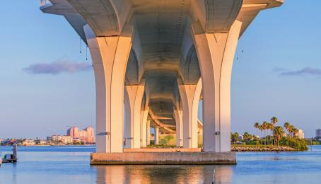 Sinnbild für baufällige Infrastruktur: Die Clearwater Memorial Bridge im US-Staat Florida.