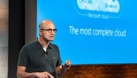 Microsoft-CEO Satya Nadella referiert an einem Anlass in San Francisco.