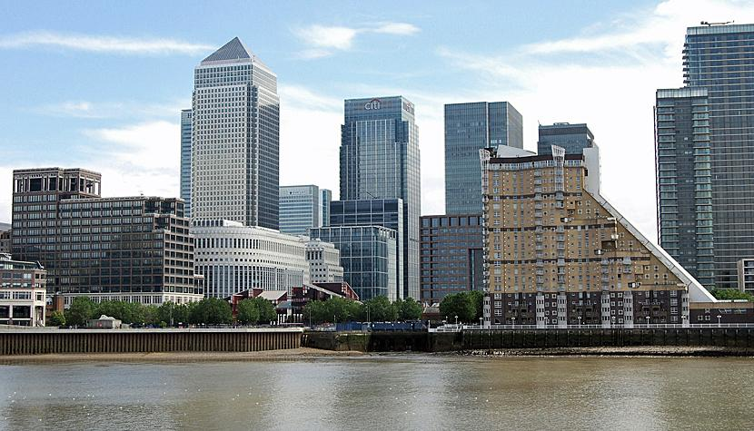Morgens klingelt es in der Inbox der Banker: Canary Wharf in London.