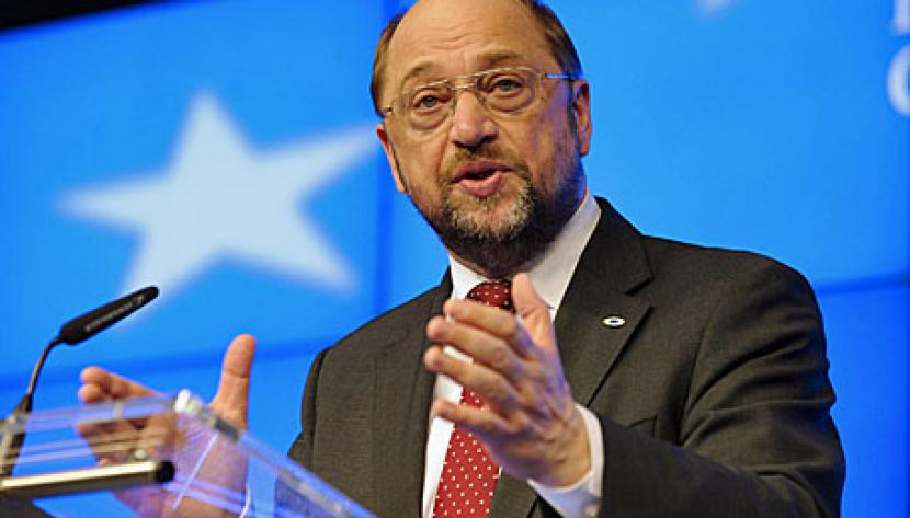 European Parliament President Martin Schulz speaks during a press conference as part as a European Council meeting at the European Council headquarters in Brussels, Belgium, 07 February 2013.
