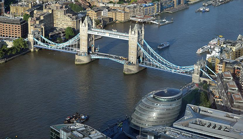 Die Tower Bridge in London.